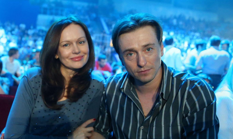 безруков развелся с женой фото новой жены снимает